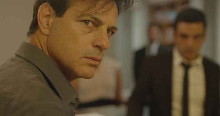 אקי אבני, מתוך הסרט ''בגידה'' (צילום: באדיבות טרנספקס)
