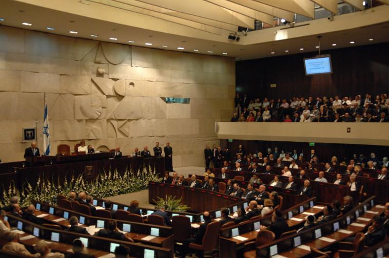 השבעתו של פרס ז''ל (צילום: עמוס בן גרשום לע''מ)