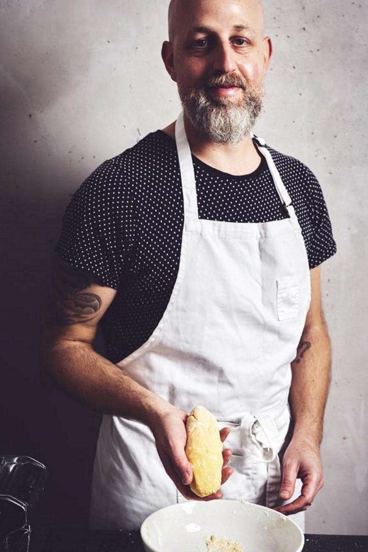 השף יוגב ירוס (צילום: אמיר מנחם,צילום מתוך מאקו)