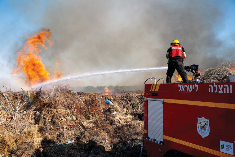 שריפות בעוטף עזה (צילום: פלאש 90)