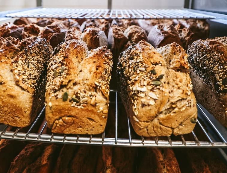 איש של לחם (צילום: אסף מזרחי)