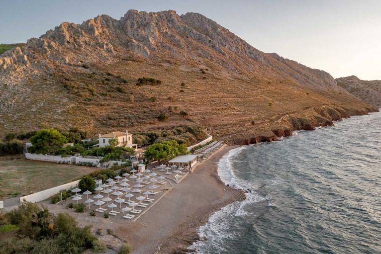 הרים לצד הים. הנוף של הידרה (צילום: יח''צ מלון פור סיזנס הידרה)