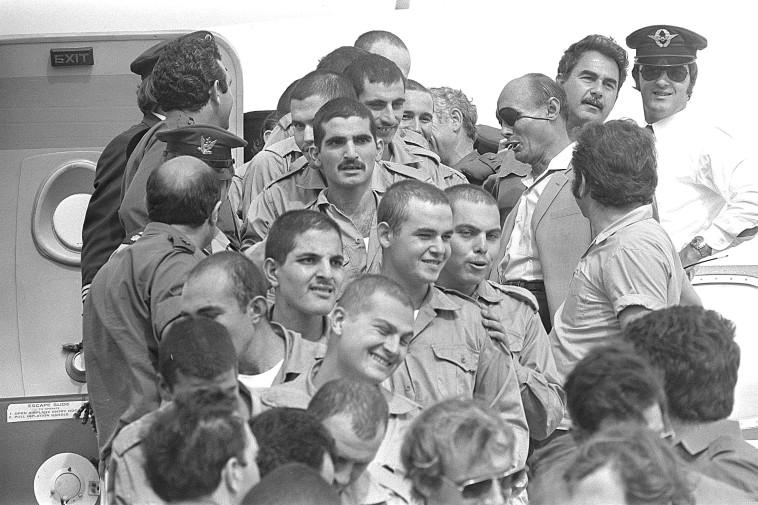 חזרת שבויים ממצרים (צילום: יעקב סער לע''מ)