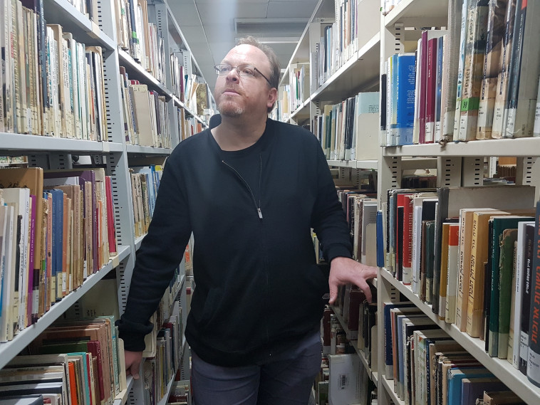 המשורר ומבקר השירה אילן ברקוביץ' (צילום: חן לב)