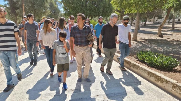 יהודים בהר הבית בתשעה באב (צילום: אופירה הלוי)
