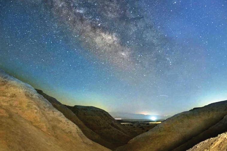 שמיים זרועי כוכבים בדרום הארץ (צילום: פרדי נפתלי)