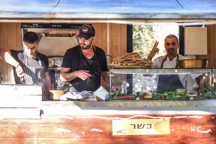 אוטואוכל בירושלים (צילום: נעם מורנו)