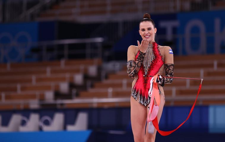 ניקול זליקמן בתרגיל האחרון בגמר אולימפיאדת טוקיו 2020 (צילום: REUTERS/Lisi Niesner)