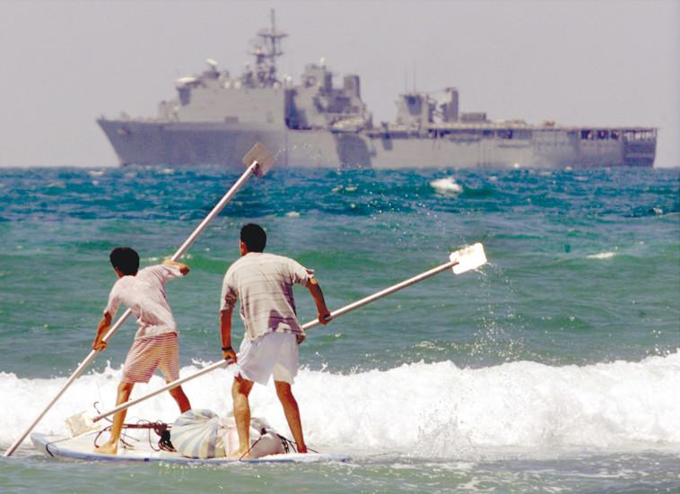 ספינה מול חופי עזה (צילום: רויטרס)