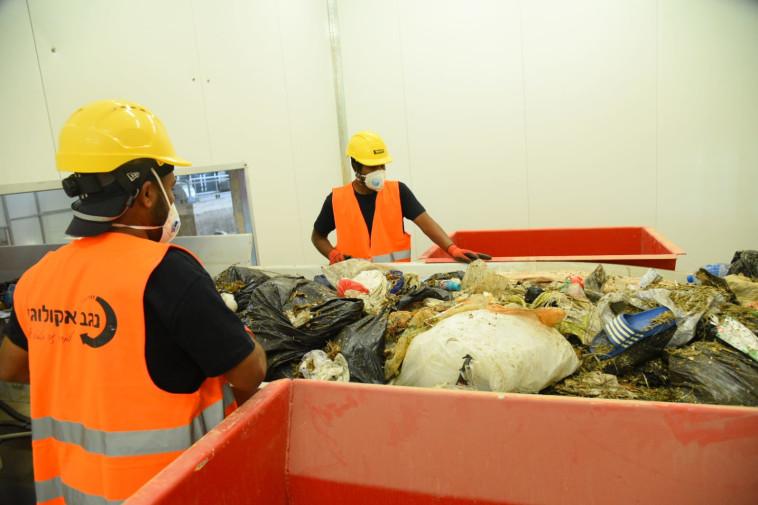 מפעל מיון פסולת בדודאים (צילום: יוסי איפרגן)