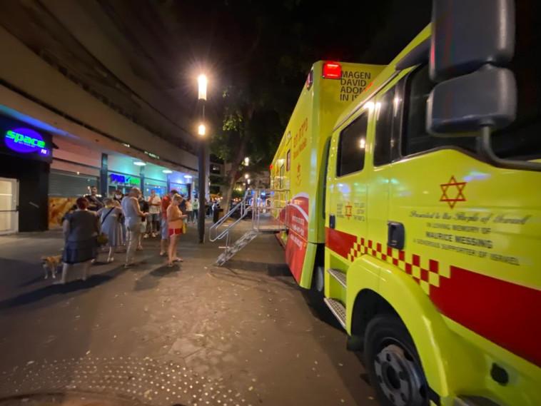 מתחם חיסוני קורונה בתל אביב (צילום: אבשלום ששוני)
