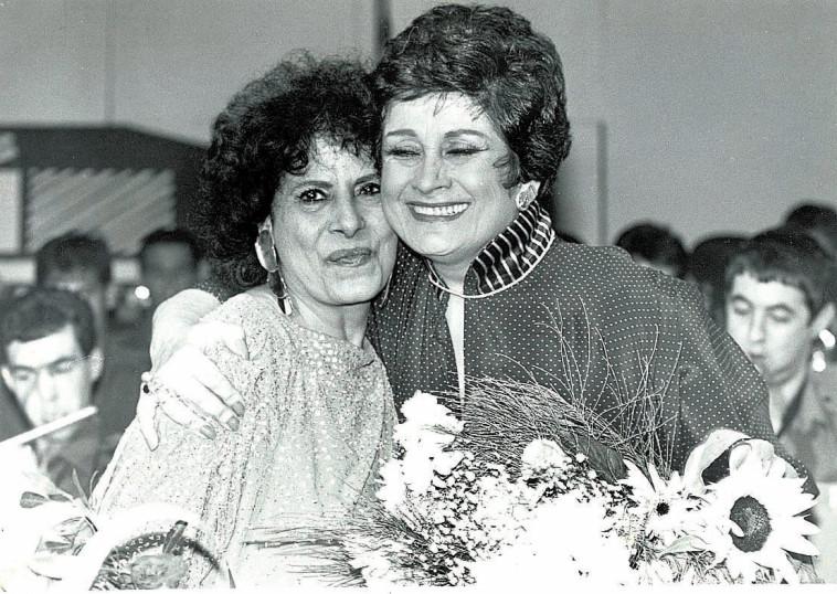 יפה ירקוני (מימין) ושושנה דמארי (צילום: נאור רהב)