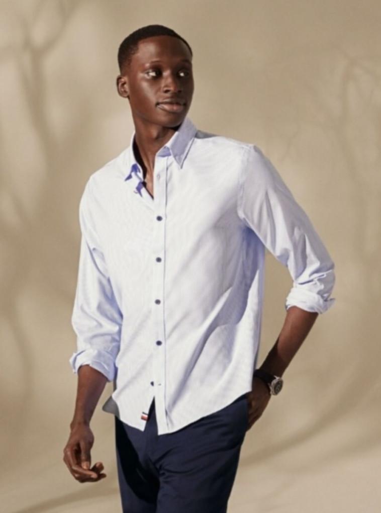 טומי הילפיגר ל- FACTORY 54. חולצה: 429 שקל (צילום: יח''צ)