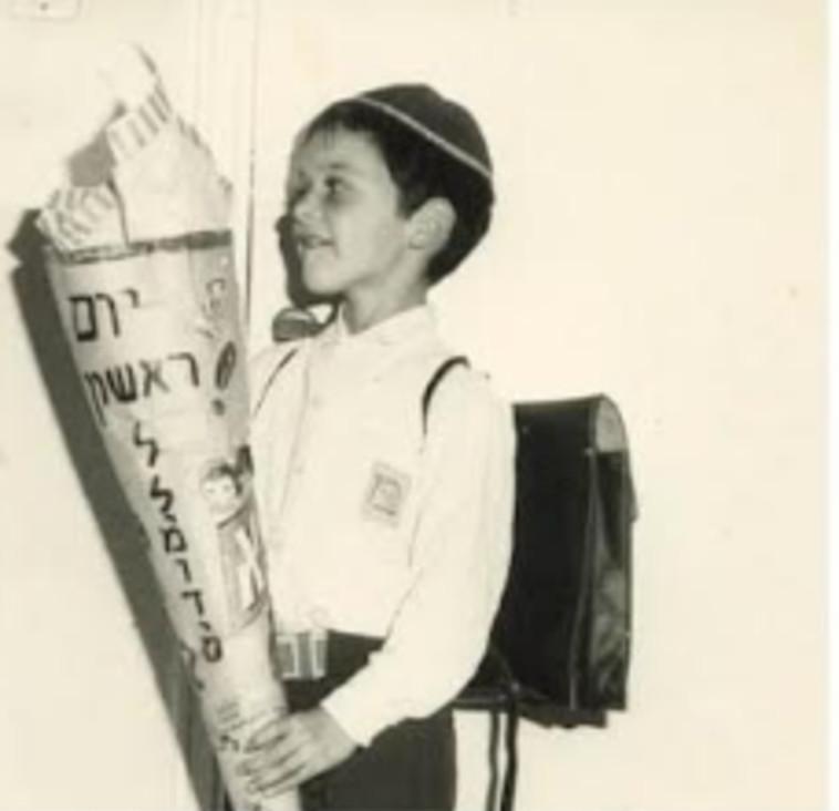 דני הירשברג, שקיבל מאביו את הצוקרטוטה בשנת 72׳ (צילום: דני הירשברג, חבר קהילת הפייסבוק  Hoppe Hoppe Reiter, מבית ארגון יוצאי מרכז אירופה))