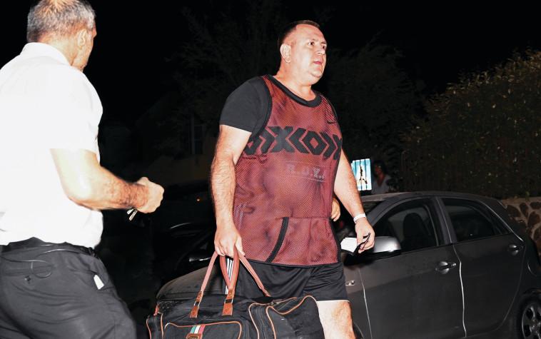 רומן זדורוב משתחרר למעצר בית  (צילום: מיכל גלעדי, פלאש 90)