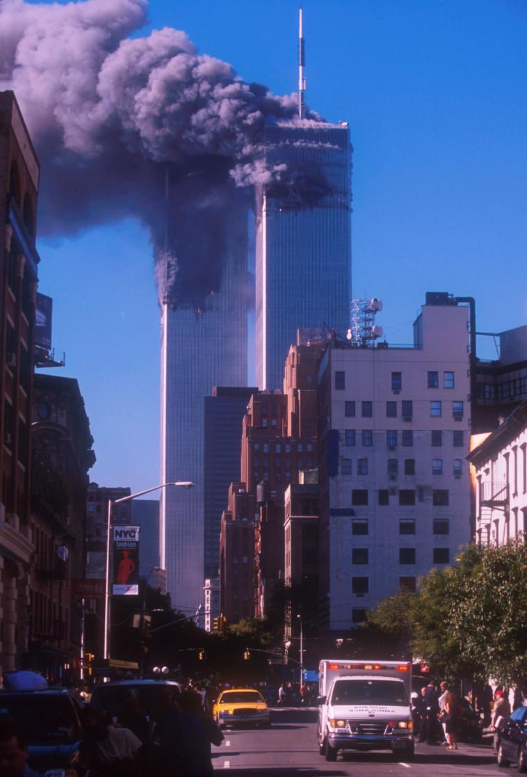 הפיגוע במגדלי התאומים, ה-11 בספטמבר (צילום: Ezra Shaw.GettyImages)