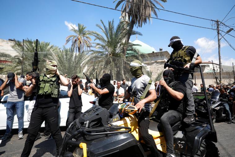 חמושים בג'נין (צילום: REUTERS/Mohamad Torokman)