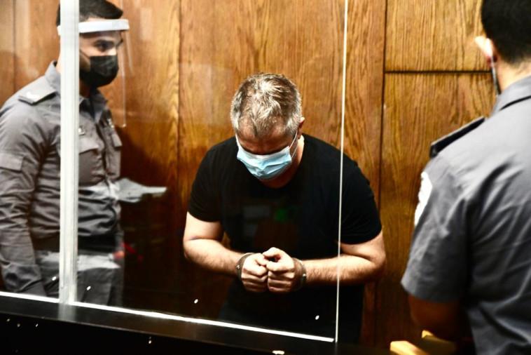 הנהג הפוגע, ערן אזולאי, בבית המשפט (צילום: אבשלום ששוני)
