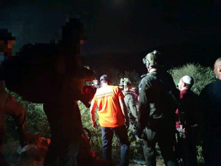 מאמצי חילוץ האדם שנפל לבור (צילום:  יחל''צ עציון-יהודה)