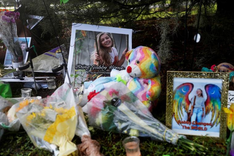 Memorial site about Patito (Photo: Reuters)