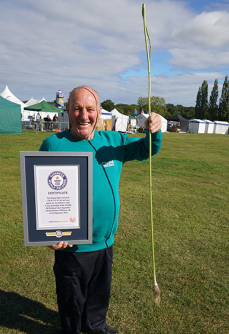 הכרישה הארוכה ביותר  (צילום: Guinness World Records)