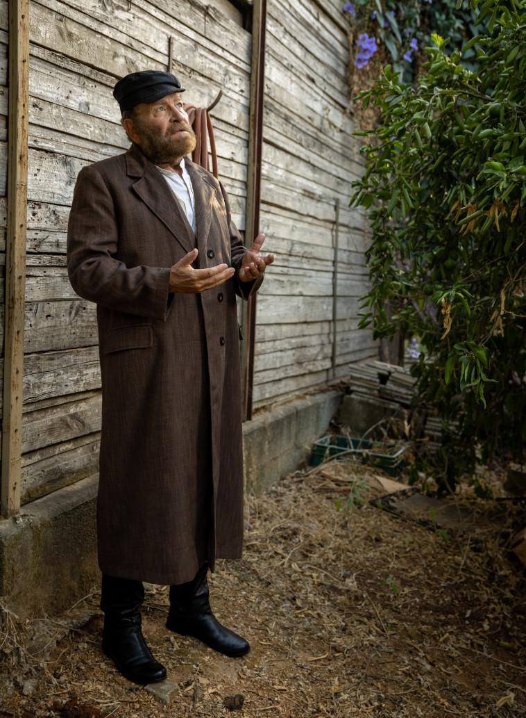 דודו פישר בהצגה ''תפילה'' בתאטרון היידישפיל (צילום: יוסי גמזו לטובה)
