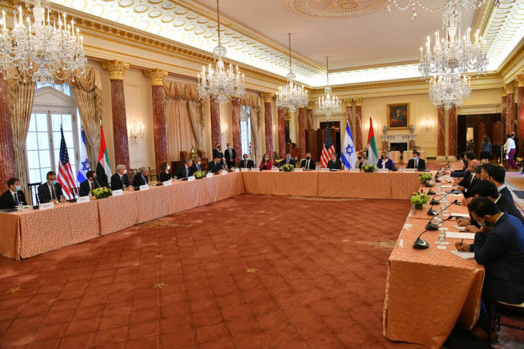 The meeting between Blinkan, Lapid and Sheikh Abdullah (Photo: Shlomi Amsalem, GPO)