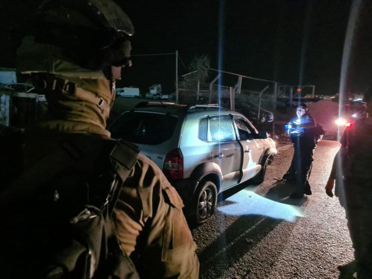 זירת הפיגוע במחסום קלנדיה (צילום: דוברות המשטרה)