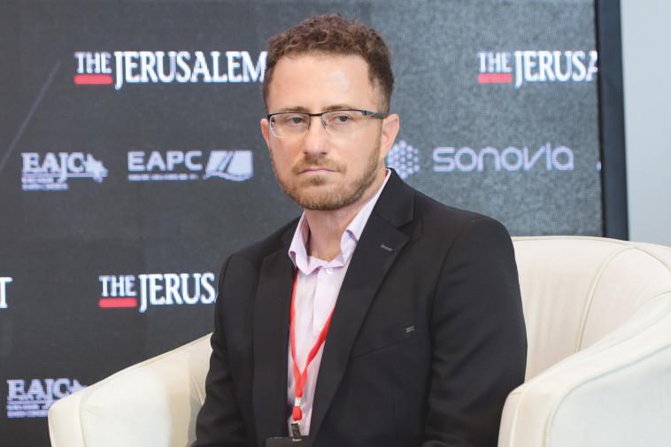Dr. Shachar Cohen (Photo: Avshalom Shashoni, Mark Israel Salem)