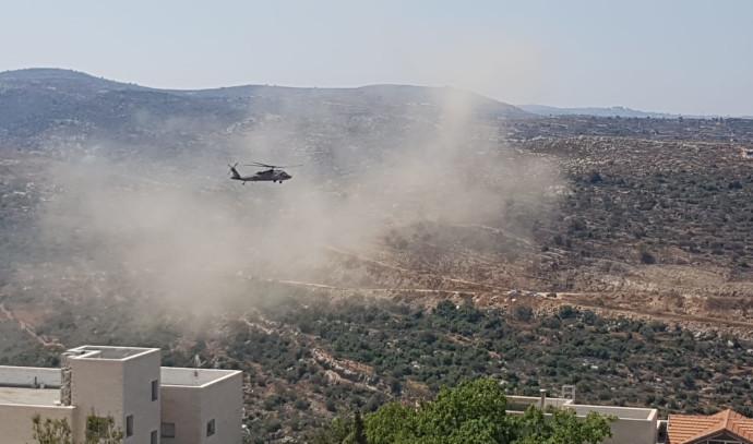 מסוק צבאי מפנה את הפצועים בדולב