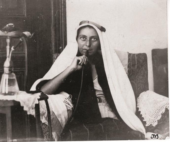 דורותי בר אדון בארמון מלך ירדן