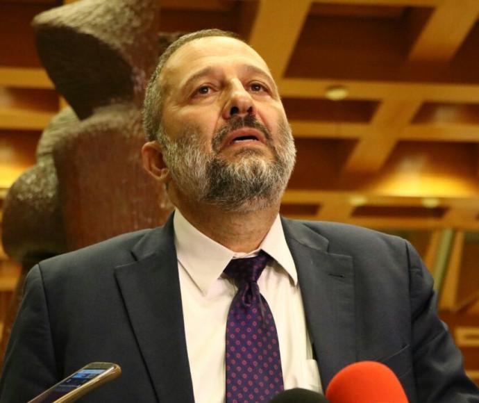 שר הפנים, אריה דרעי, בתדרוך עיתונאים לגבי מצבו של שמעון פרס