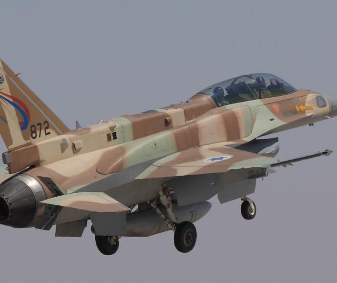 סופה F-16