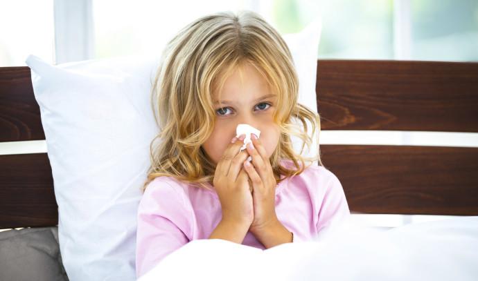 ילדה חולה