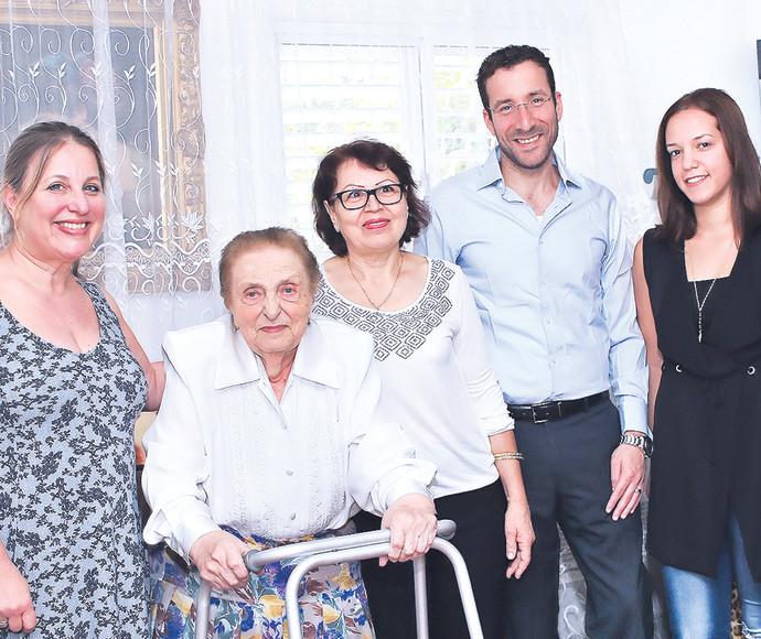 אפרת גרסטל, דואה עשייה, איציק שמולי, שרה פוני, שלימה גרשקוביץ' ורונית שאנן