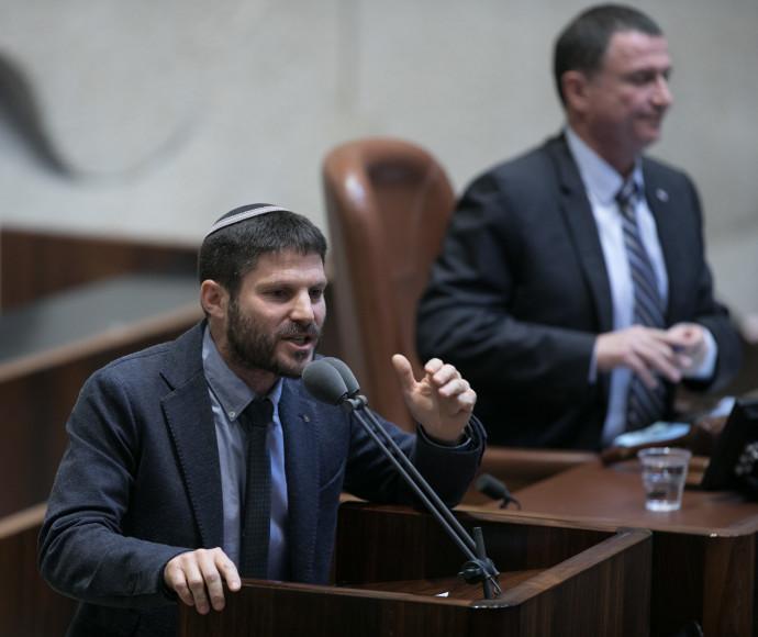 בצלאל סמוטריץ' בעת ההצבעה על חוק ההסדרה