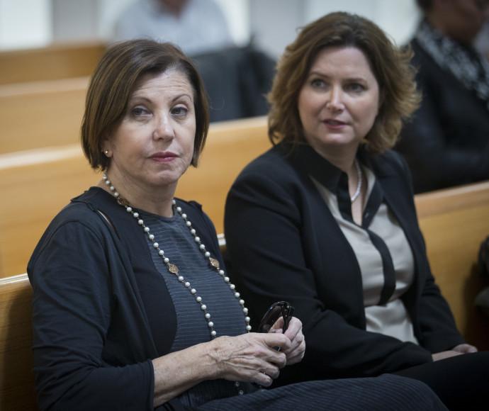 זהבה גלאון (משמאל) ומיכל רוזין