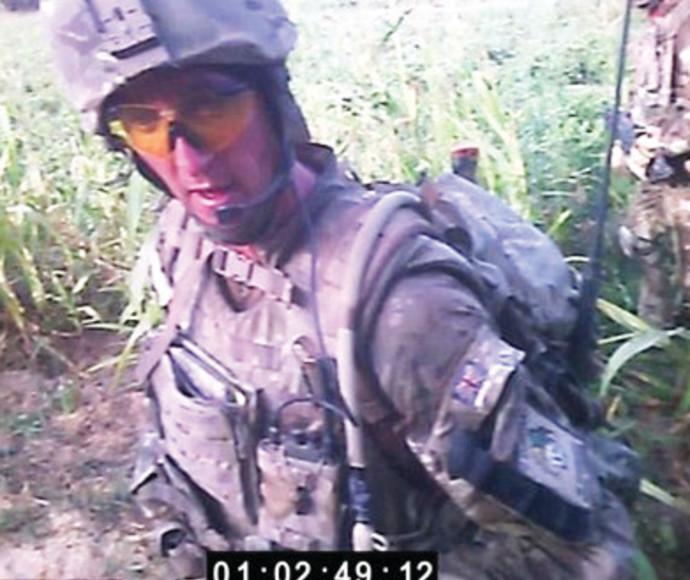אלכס בלקמן, מתוך הסרטון המפליל