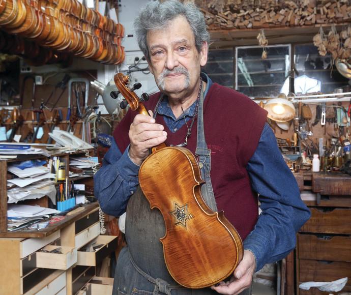 אמנון וינשטיין, בונה כינורות