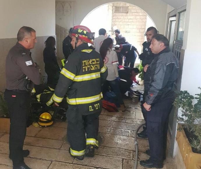 קשיש בן 70 פונה משריפה בדירה בירושלים