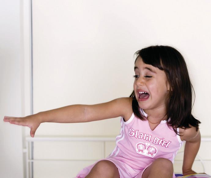 ילדה בוכה, אילוסטרציה