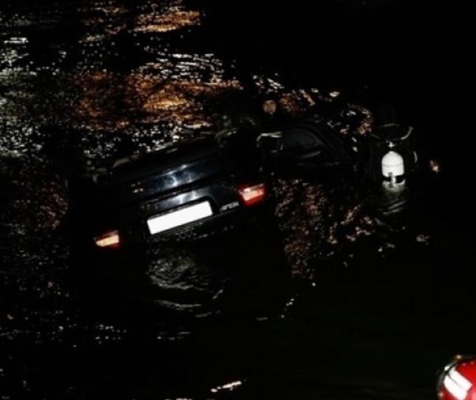 תאונת דרכים ברומניה, רכב התדרדר לנהר