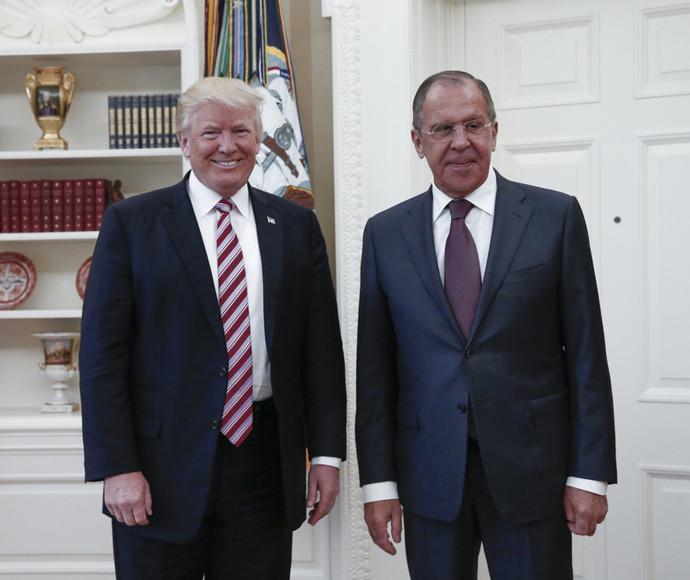 דונלד טראמפ עם סרגיי לברוב