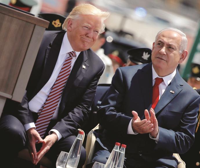 דונלד טראמפ עם בנימין נתניהו בביקורו בישראל