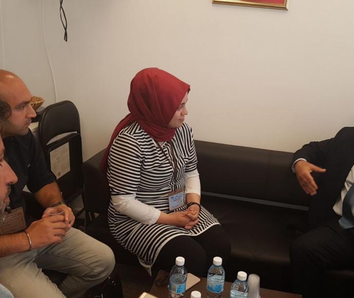 השר איוב קרא עם העיתונאים הטורקים