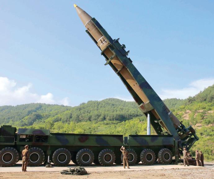 קים ג'ונג און והטיל הבין-יבשתי