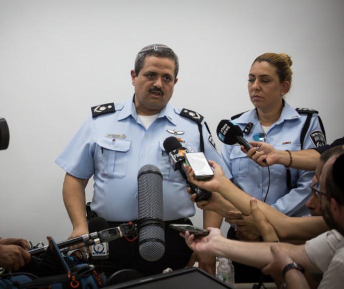 """המפכ""""ל רוני אלשיך מתדרך עיתונאים"""