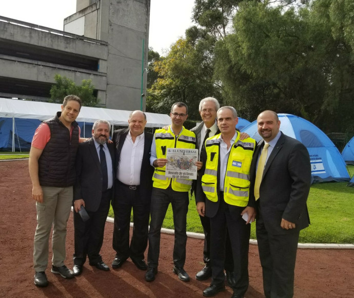שגריר ישראל במקסיקו יונתן פלד עם בכירי הקהילה היהודית