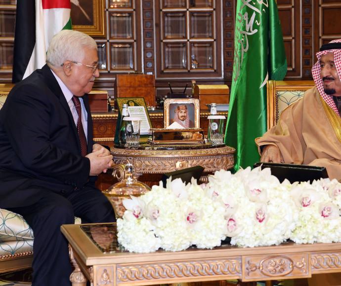 יורש העצר הסעודי עם אבו מאזן