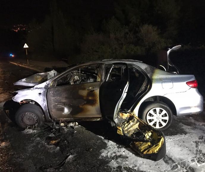 הרכב השרוף בתאונה ליד כרמיאל